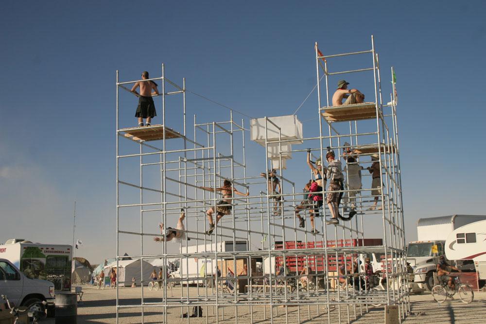 9_burners-on_-scaffolding_0