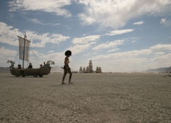 8_burningman-playa__0
