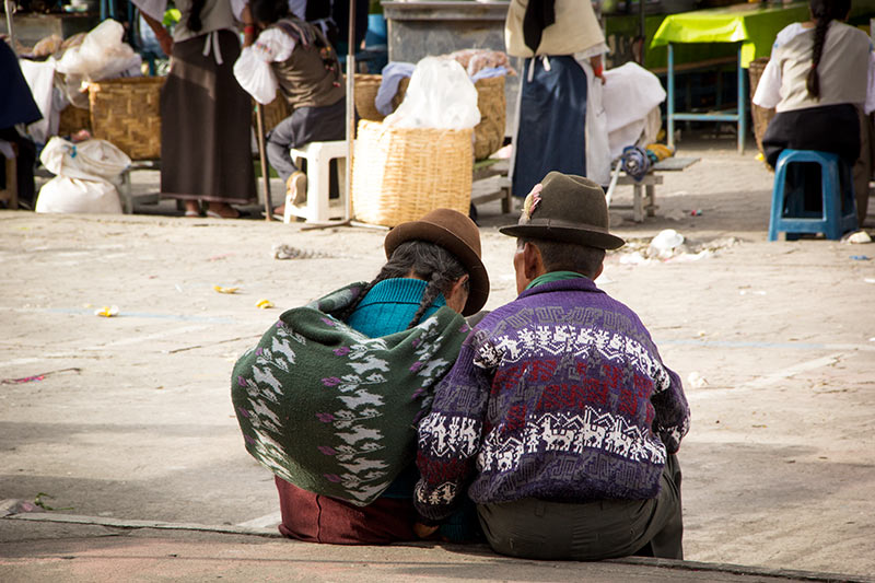 otavalo-market-couple